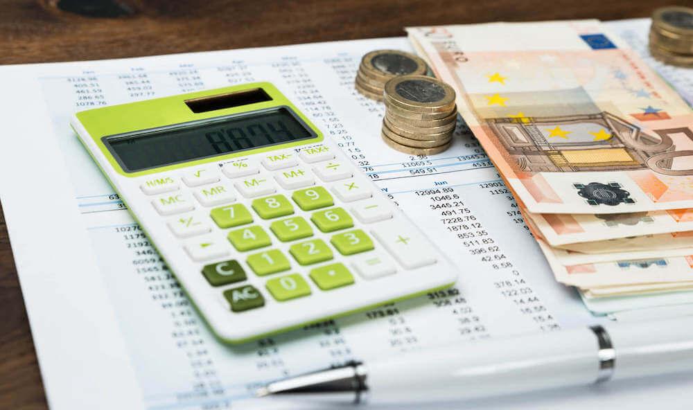 Калькулятор и деньги